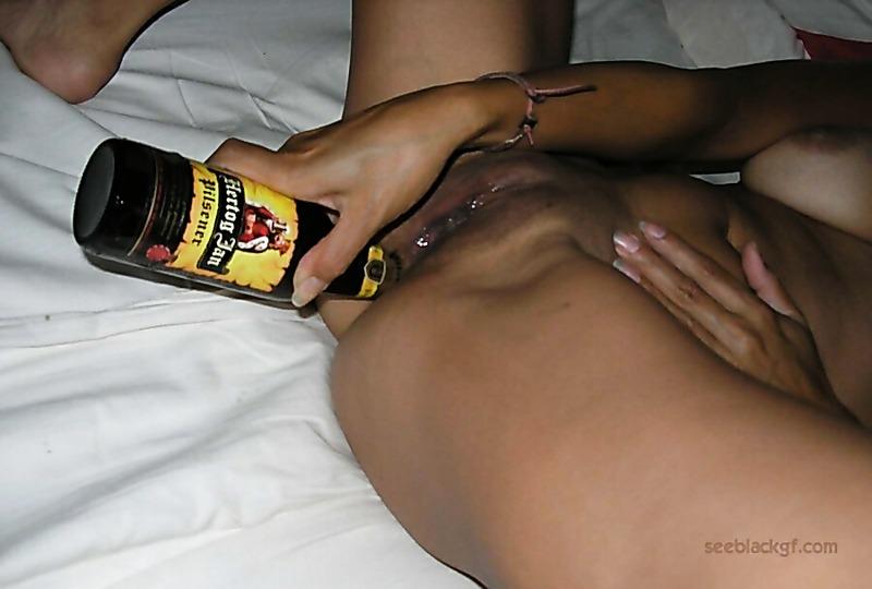Грязное домашнее порно фото от молодой и очень развратной девушки. . Давно