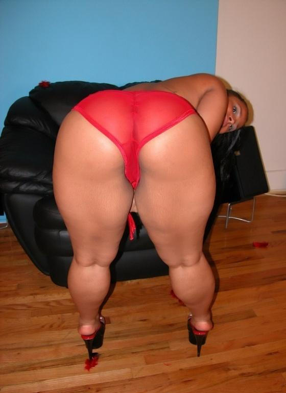 sexy naked eomen spread legs
