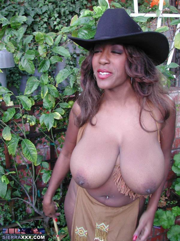 Black female muscle tgp
