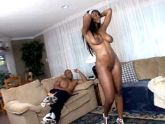 Nyomi Banxxx sucks his dick