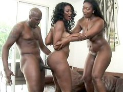 Aryana Starr vs Nyomi Banxxx