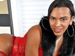 Kamilli Santos takes off her panties and strokes